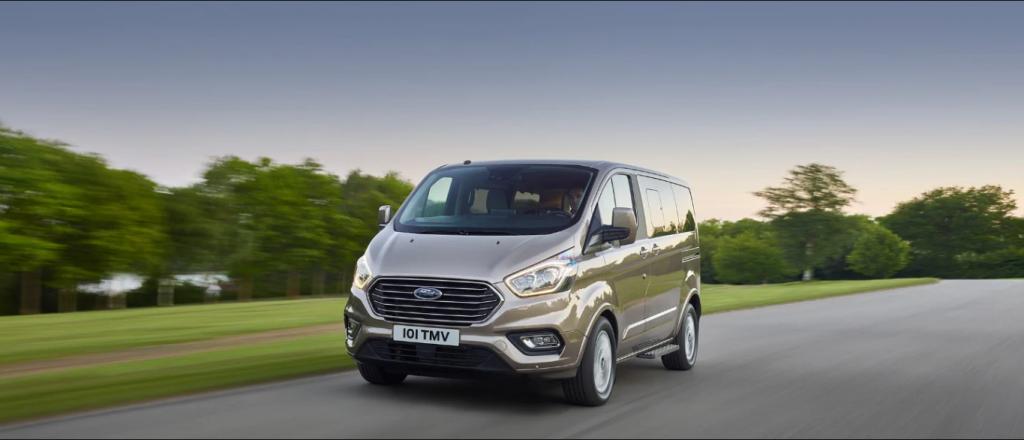 Mẫu xe Ford Tourneo 2019 có gì hấp dẫn không?