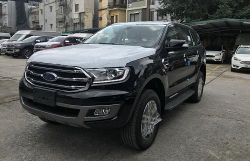 ford-everest-trend-2-0-4-x-2-at-mau-den-4