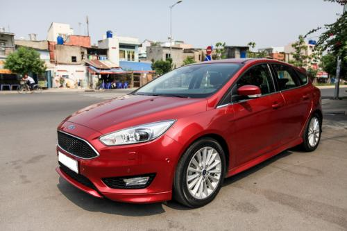 ford-focus-sport-1